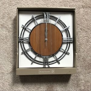 💥2/$30💥 NWT Wall Clock